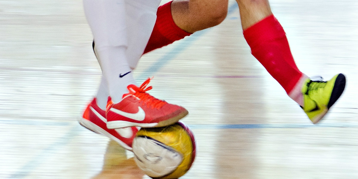 Tips-Cara-Memilih-Sepatu-Futsal-Yang-Baik-Dan-Benar