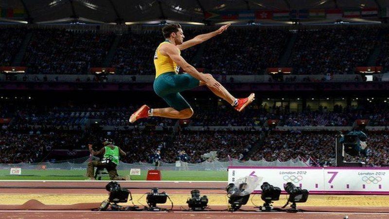 3 Macam Gaya Lompat Jauh Jongkok Berjalan Di Udara Menggantung