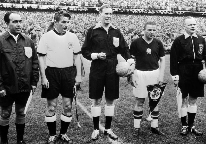 sejarah-olahraga-sepak-bola-dunia